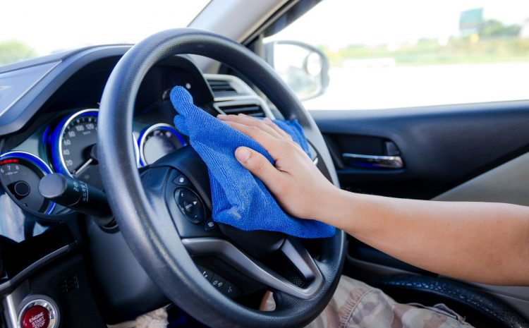 Τι πρέπει να κάνουμε κάθε φορά που μπαίνουμε στο αυτοκίνητο εν μέσω πανδημίας του κορωνοϊού